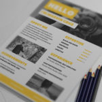Yellow Photographer Resume